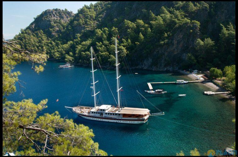 Tersane-8-Kiralık-Gulet-Yat-Tekne-Mavi-Yolculuk-Tur-7